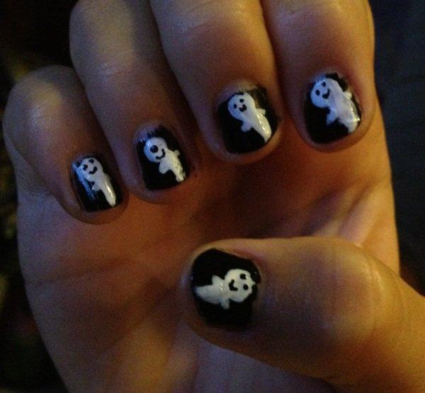 """Nail Art """"fantôme"""""""