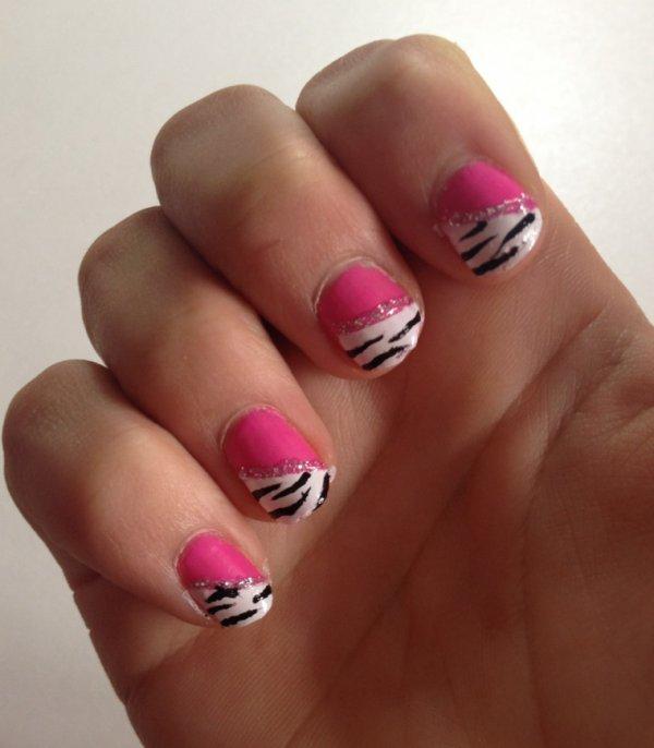"""Nail Art  """"Zèbre diagonal"""""""