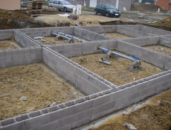 Vide sanitaire en bloc bancher st poc blog de for Construction piscine bloc a bancher
