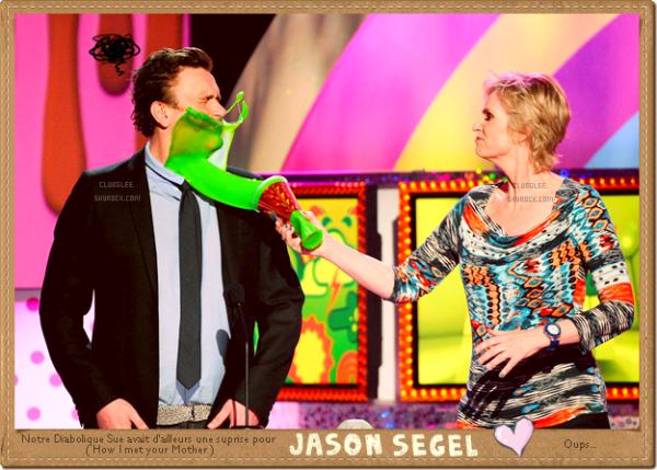 . 02.04.11. ---› Finn, Artie, Sue et huuum Jacob, se rendent aux KCA. Je ne sais pas vous mais moi j'ADORE Jason Segel. :D Alors, Bilan de ces Kid's Choice Awards? :) .