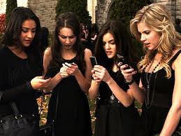 Pretty little liars (PLL)