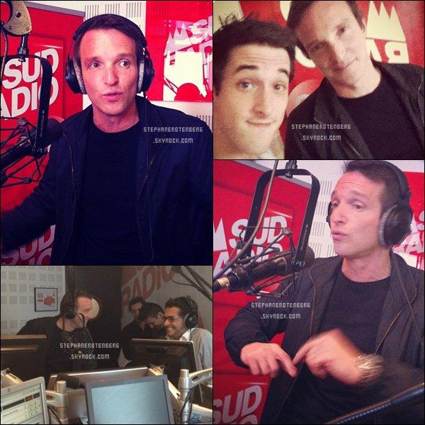 . 16/05/2012: Dans les studios de Sud Radio..
