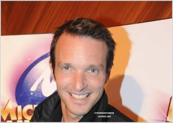 . 2009: Stéphane a assisté au Micromania Games Award à La cigale..