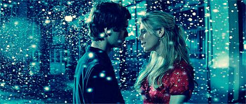 « L'amour est là si on veut qu'il soit là, il suffit de le deviner derrière la beauté qui l'entoure et entre chaque seconde qui rythme votre vie. Si vous ne prenez pas le temps de vous arrêter, vous risquez de passer à côté... »