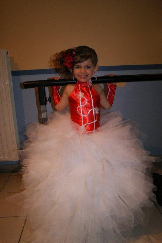 robe rouge et blanc 4 ans