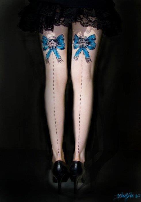 Tatouage Arriere Femme Nœud Star Wars Tattoo Artist