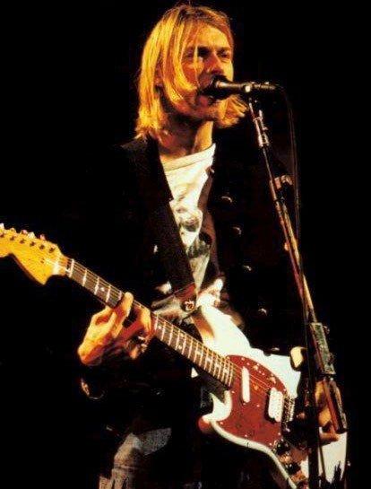 Justin Bieber, Kurt Cobain (Nirvana), Tony Iommi (Black Sabbath) et ben moi ^^