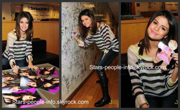 Selena donnant une interview pour la radio « Sirius XM » à New York Le lundi 14 mars 2011
