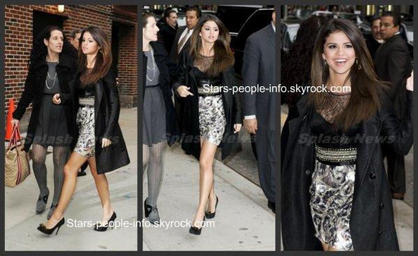 Selena Gomez se rendant chez David Letterman