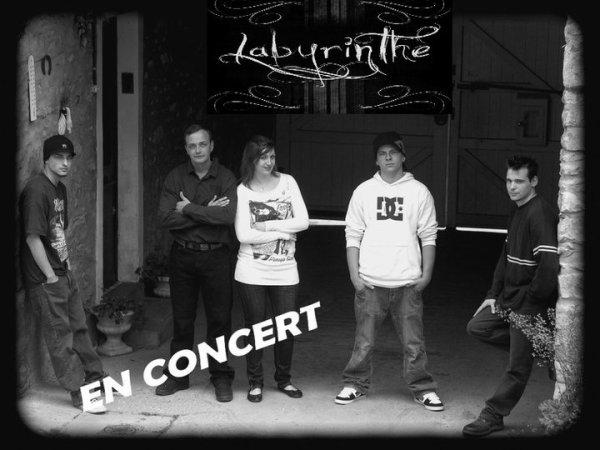 aout 2011 : premier concert organisé par micky dans un pub de sa région