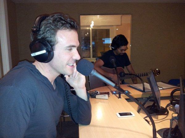 Live acoustique Whita sur la radio Enghein