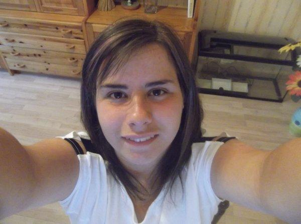 Ma face pour la première fois de l'histoire de mon blog \o/