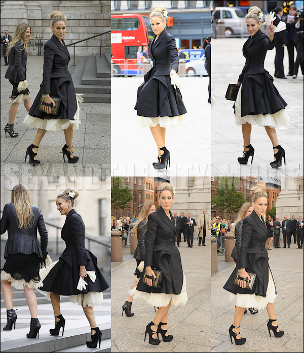APPARITION PUBLIQUE: 2o/o9/2o1o - LONDRES [ ALEXANDER MCQUEEN MEMORIAL ]