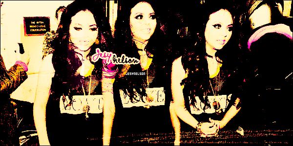 ••• Suis l'actualité de la sublime Jesy Nelson du girls band anglais « Little Mix » !Actualité retracée par le biais de photos, candids, promo, events, vidéos pour tout savoir sur les projets de la starlette.