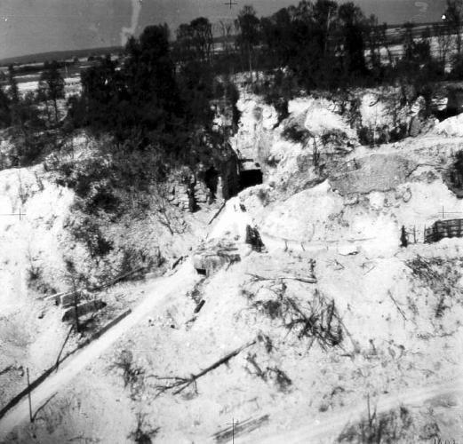Photo de L'entrée St Christophe après les Bombardements alliées de 1944