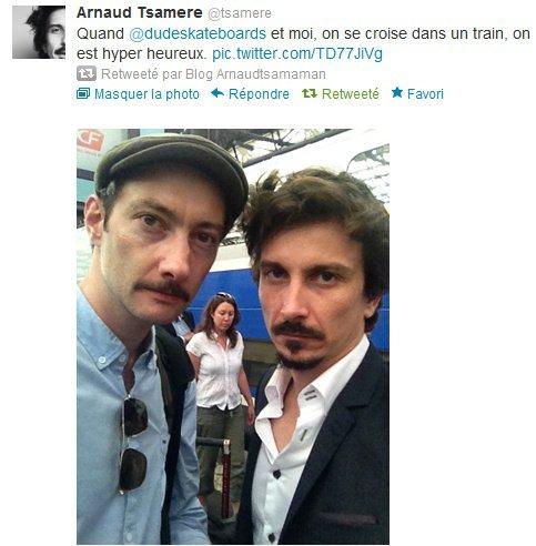 Arnaud Tsamere dans le train avec Vincent Desagnat