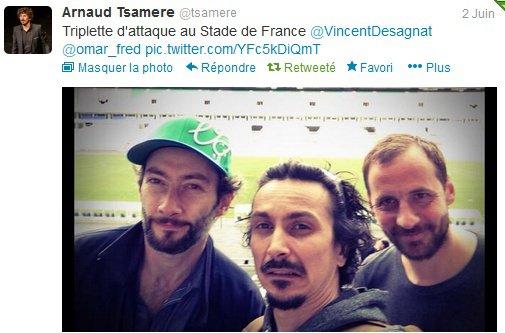 """Arnaud Tsamere joue au foot pour l'association """"Plus fort la vie"""""""