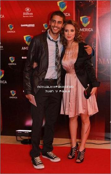 _ Actu le 02/05/10   Juan et sa petite amie en étais  a '' Los Martín Fierro '' pour y recevoire un prix._