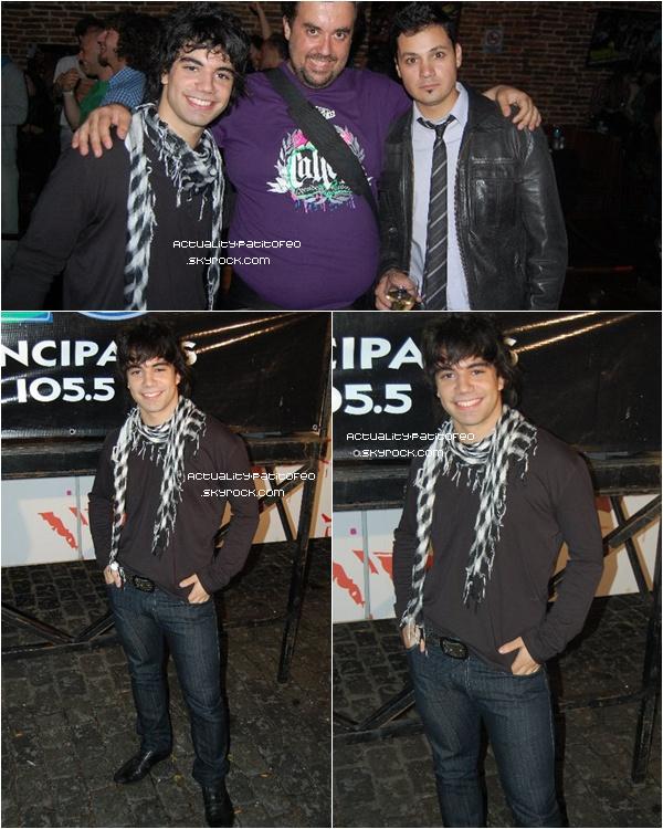 _ Events le 23/11 Nicolas étais hier à l'évènement ''Premio los 40 Principales '' à Buenos Airs . _