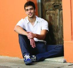 _ Juan veut ce marier. _