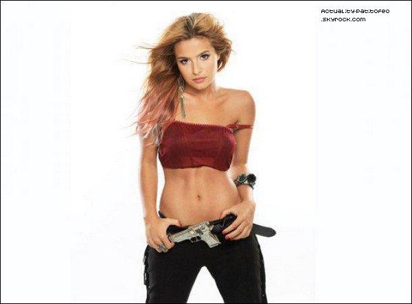 """_ Photoshoot de Brenda dans le rôle de """"Keira"""" pour la saison 2 de """"Los Unicos"""" _"""