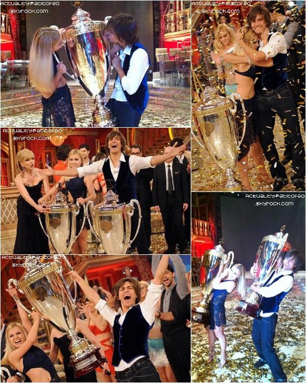 _ Après s'être fait éliminé puis, repêcher Andrès et sa partenaire Anastasia Kuzmina ont gagner samedi dernier Danse avec les stars 8 ( version Italien ). _