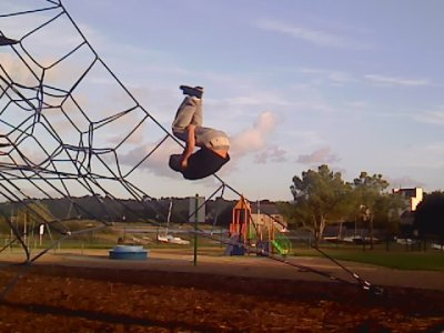 niko entrain de faire un salto