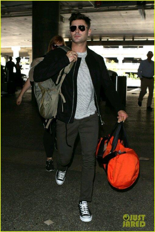 Zac efron est de retour à Los Angeles