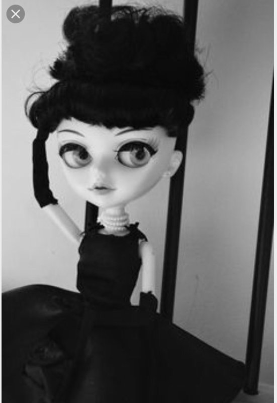 No pullip, No Blythe, mais tangkou... Audrey Hepburn