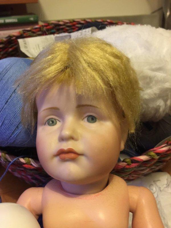 Première perruque en mohair