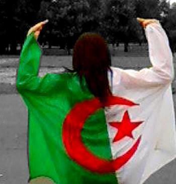 avc le drapeau d'algérie ^^