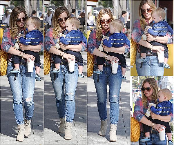 14 MARS 2013 - Hilary Duff à été aperçu avec Luca allant prendre le petit déjeuner dans Beverly Hills.