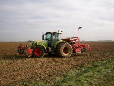 chantier sur une parcelle d'un semis de ble 2010