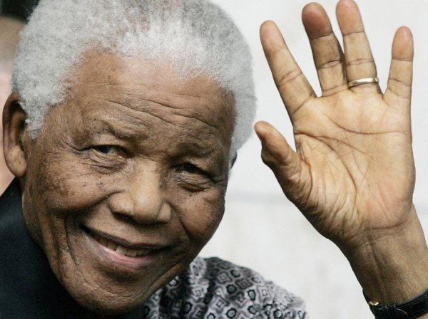 Un homme rare et grand nous quitte ce soir ! Nelson Mandela restera un modèle d'humanité a l'état pure .William Wesley