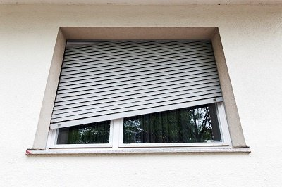 Signs that You Need to Say Goodbye to Your Old, Worn-Out Window Blinds