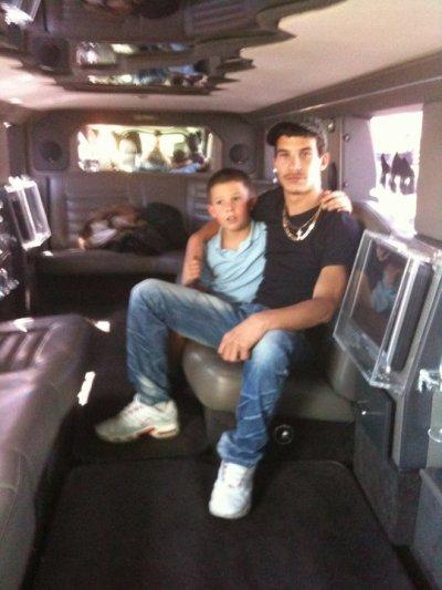 moi et kiki dans le hummer limousine