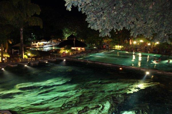 Maior rio de águas quentes do mundo / La plus longue rivière d'eau chaude ( Rio Quente Resort ).
