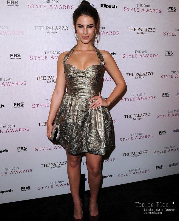 Le 12 décembre, Jessica était présente aux Hollywood Style Awards.