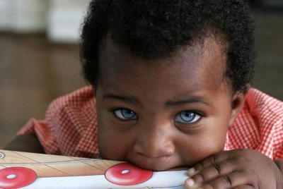 le bebe aux beau yeux