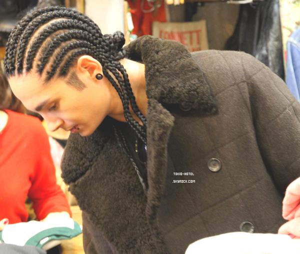 Nouvelle photo de Tom à Tokyo (HARAJUKU) - 14.12.10