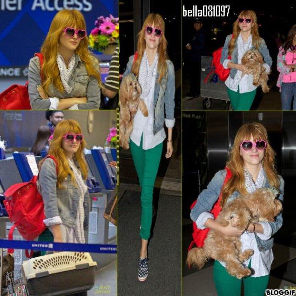 Bella arrivant à l'aéroport de LAX pour prendre son vol en direction de New-York le 29 mars 2013.