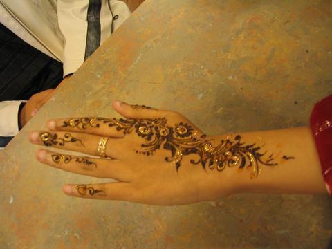 dream-tattoo/ motif pour main au henne