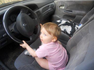 La petite fée a une voiture