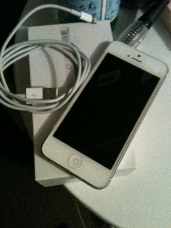 Meeeeeeeeeeeeerci maman <3 #Iphone5 *.*