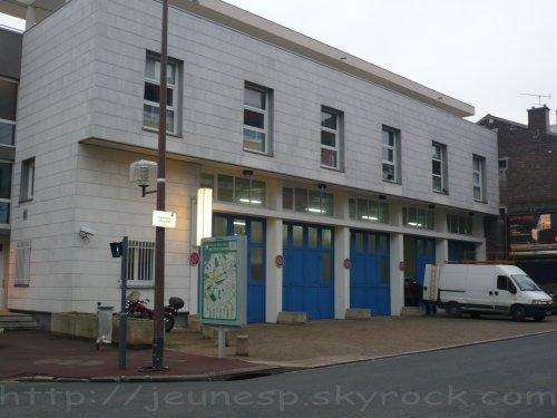 Le centre de secours issy les moulineaux 100 - Centre commercial porte d aubervilliers ...