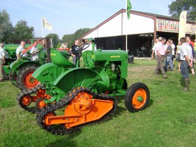Consentration de vieux tracteur deutz agrotron en force - Image de tracteur ...