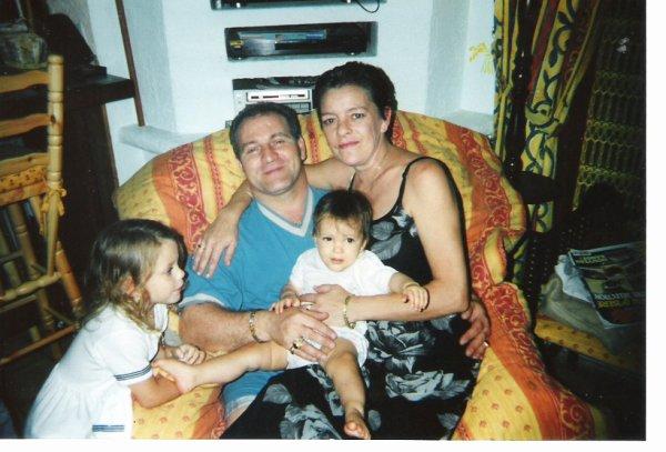 Mes parents, Ma nièce et moi :p