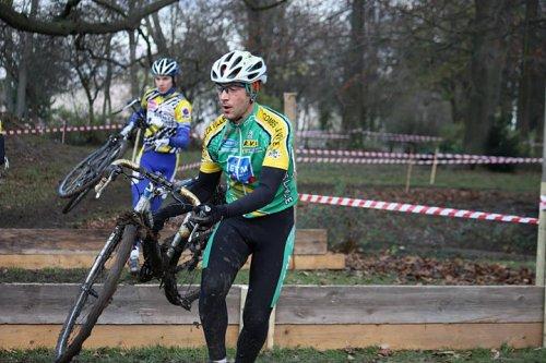 Samedi dernier, un dérailleur en moins au cyclo-cross de Wissous !