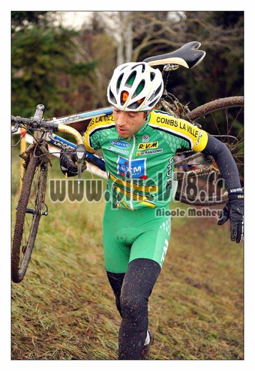 Cyril excellent dixième des championnats d'Ile de France de cyclo-cross !