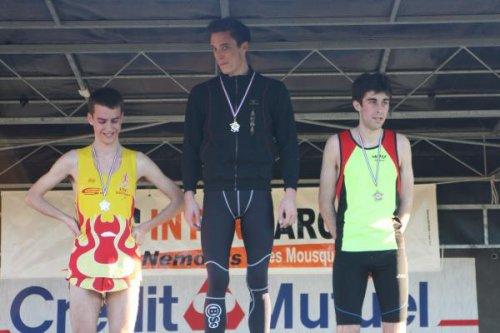 Julien champion départemental de cross-country !